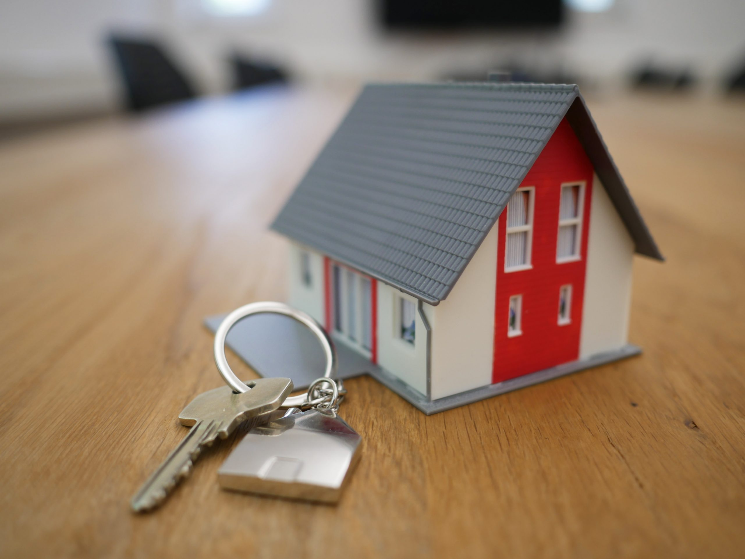 Droomhuis kopen: miniatuurhuis met sleutel