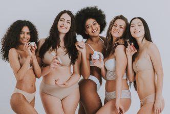 Camouflagetherapie:goep diverse vrouwen met make-up