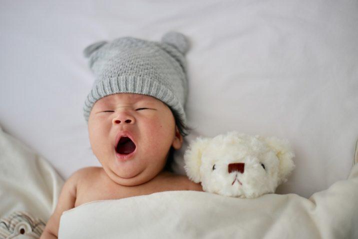 Kinderwens: baby met teddybear
